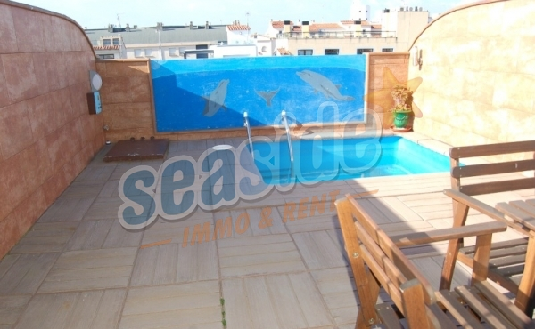 Two apartments with private pool, air conditioning and spectacular views.